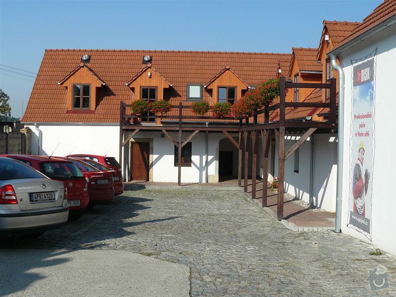 Natěračské práce - nátěr dřevěných oken a dveří: centrala_1