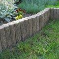 Realizace zahrady se stavebnimi prvky  vyr 69palisada imitace dreva zahon