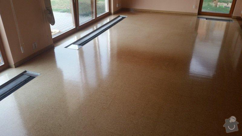 Renovace laku korkové podlahy RD (35m2): podlaha