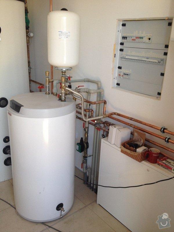 Dodávka a montáž podlahového topení, kompletní vodoinstalace, vybavení a zapojení technické místností, montáž teplovodní krbové vložky a instalace děšťové šachty vč. napojení na svody okapu: IMG_8325