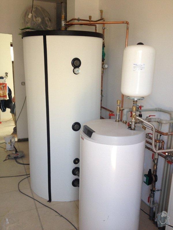Dodávka a montáž podlahového topení, kompletní vodoinstalace, vybavení a zapojení technické místností, montáž teplovodní krbové vložky a instalace děšťové šachty vč. napojení na svody okapu: IMG_8324