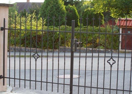Bezúdržbový plot pro rodinný dům