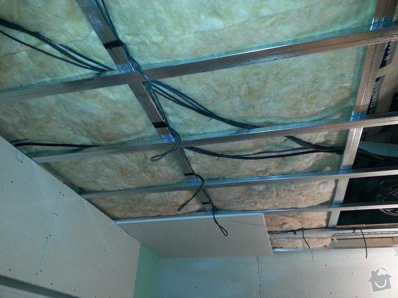 Vytvoření stěn a stropů v kuchyni a koupelně: 20131123_164409