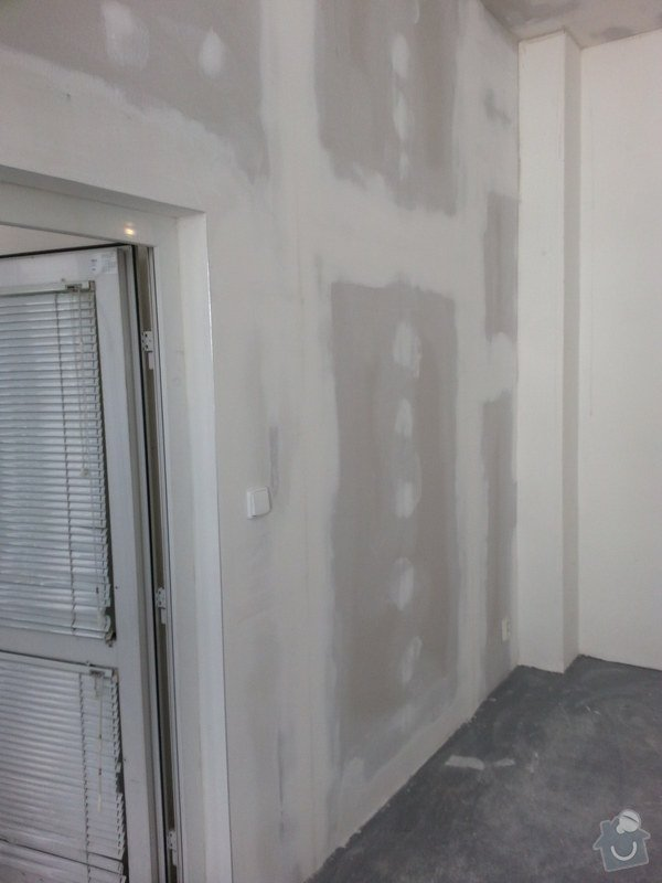 Podhledy s izolací, stěny a elektro: 20140719_105103