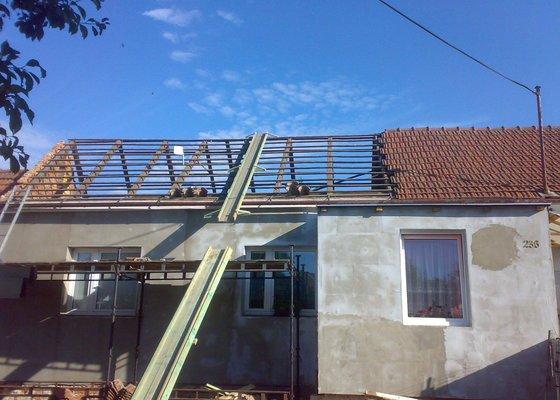 Zhotovení nové střechy na RD