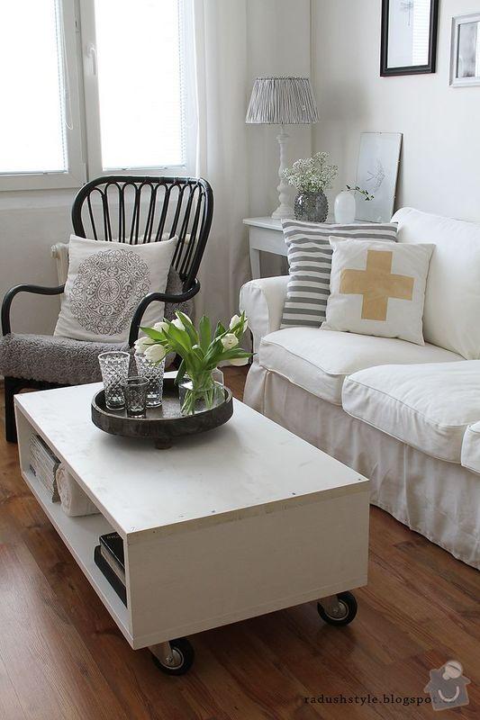 Konferenční stolek: inspirace_stolek_a_podnos