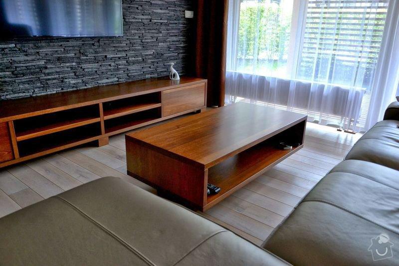 Konferenční stolek: konferencni_stolek_masiv