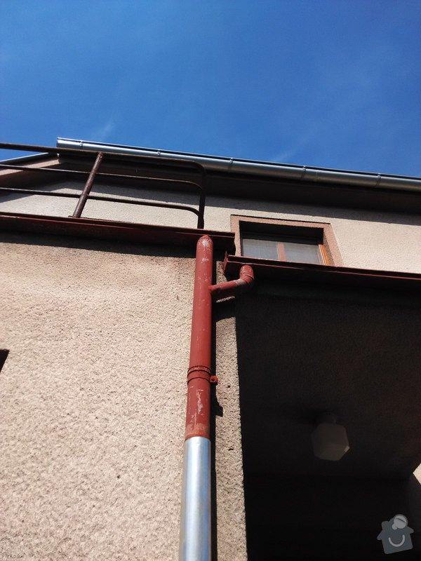 Oplechování střechy nad vchodovými dveřmi a balkónu, svody: 06
