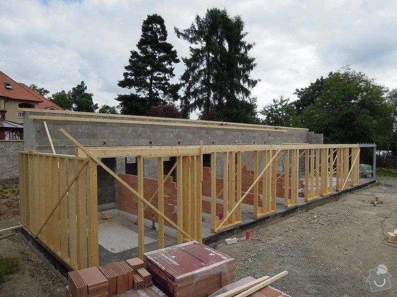 Dodávka a montáž dřevěné konstrukce a krovu rodinného domu : 1