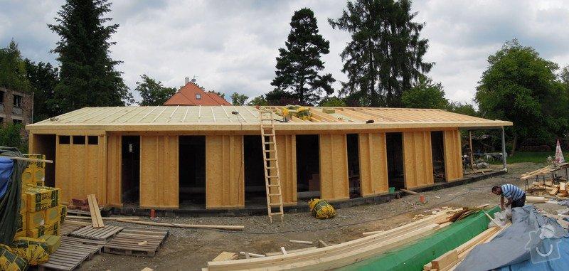 Dodávka a montáž dřevěné konstrukce a krovu rodinného domu : 19