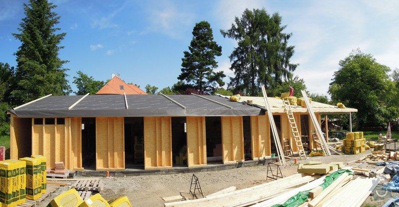 Dodávka a montáž dřevěné konstrukce a krovu rodinného domu : 22