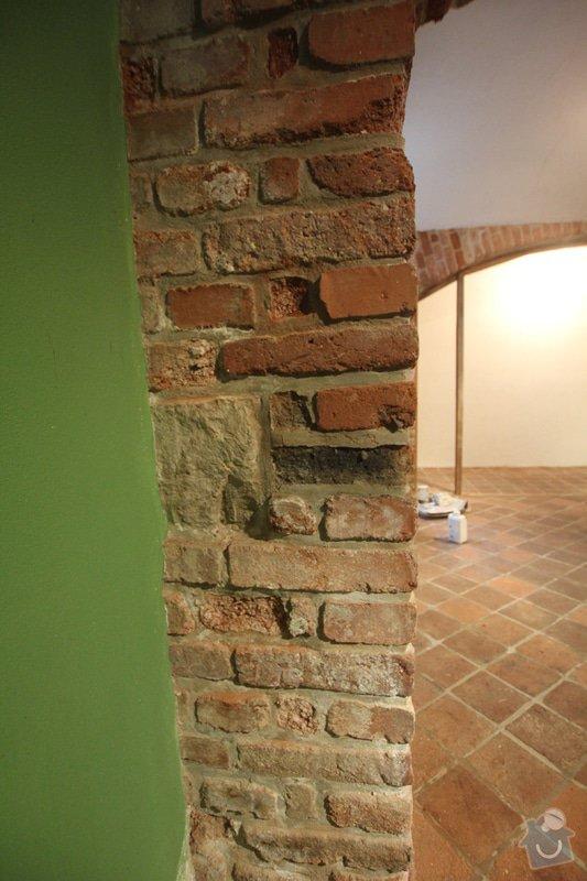 Renovace bytu Vršovice 3.-12.září: cihla