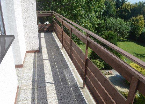 Kompletní opravu balkónu, štítu a související práce
