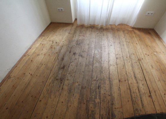 Renovace dřevěné podlahy do 13.9.