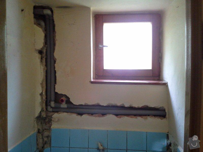 Rekonstrukce vodovodního potrubí-náhrada kovu za plast: 20140821_113617