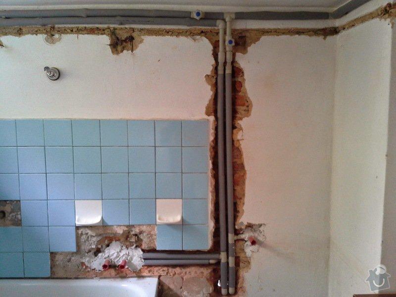Rekonstrukce vodovodního potrubí-náhrada kovu za plast: 20140821_113633