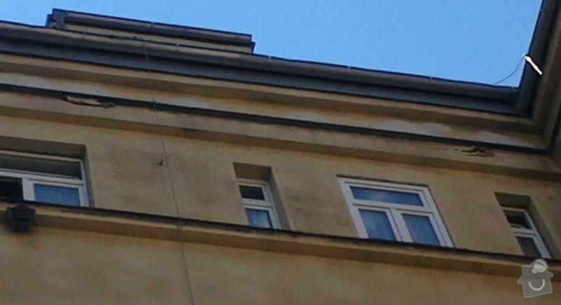 Zednické práce ve výšce: poskozeni_fasady_nad_5._patrem