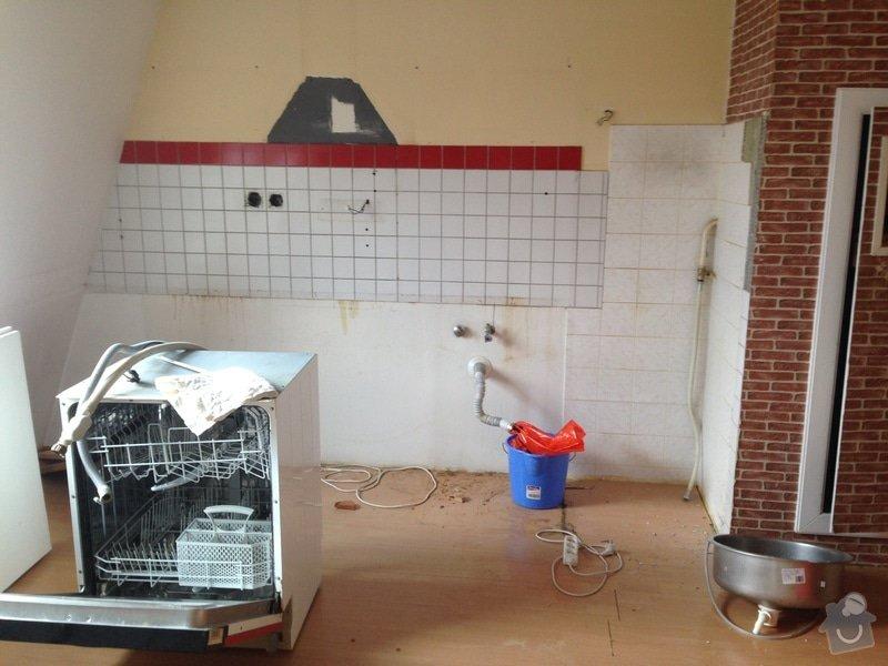 Rozvody vody, elektřiny a plynu pro novou kuchyňskou linku, obklady: image