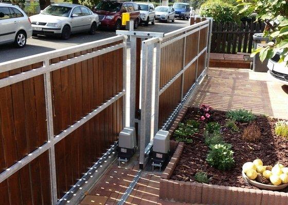 Stavba plotu, 2 automaticke brany