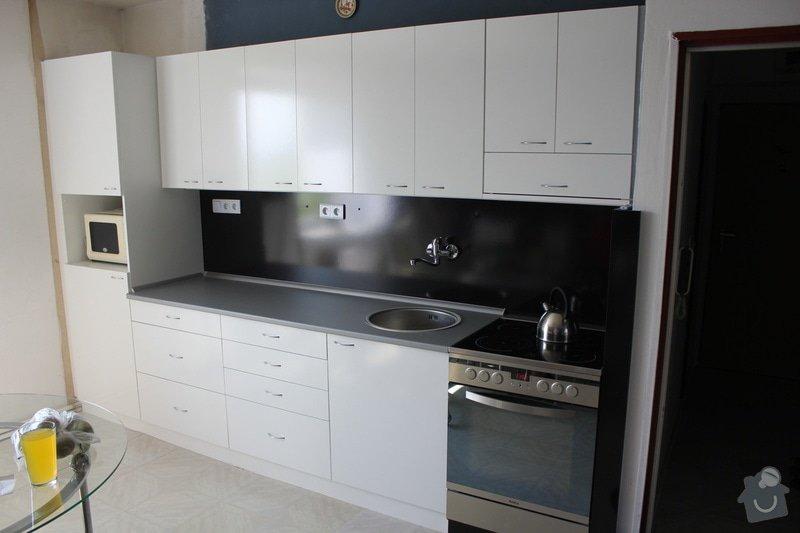 Kuchyňská linka bílá/černá -  lesk: IMG_4495