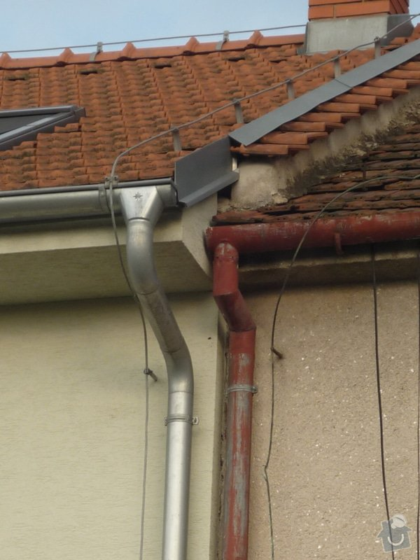 Klempířské práce ve výšce, oplechování štítu pouze 0,5 metru: P1160509