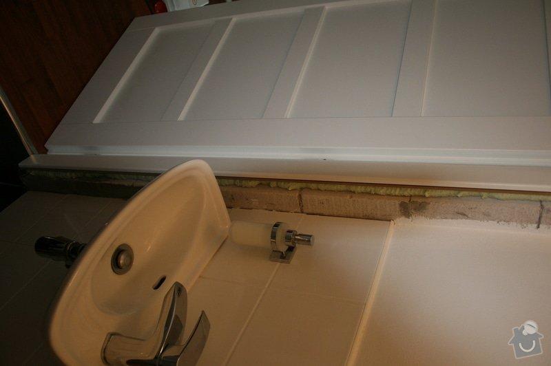 Výměna 8 kachliček na podlaze wc a koupelny, nanesení omítky kolem zárubně dveří. : IMG_5884