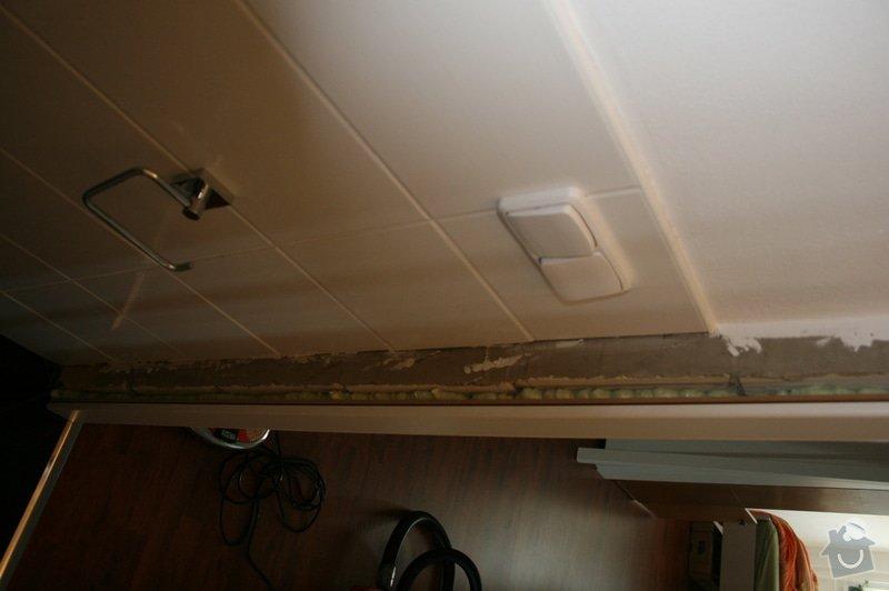Výměna 8 kachliček na podlaze wc a koupelny, nanesení omítky kolem zárubně dveří. : IMG_5886