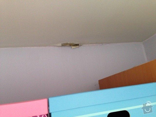 Malířské (chodba podél schodiště v mezonetovém bytě) + drobná oprava stropu: IMG_7307