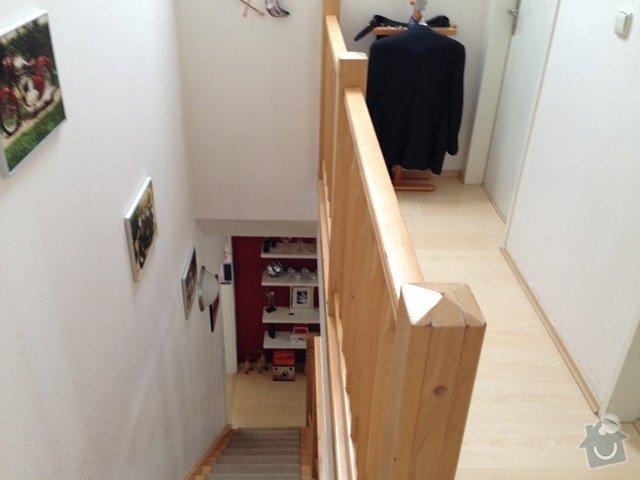 Malířské (chodba podél schodiště v mezonetovém bytě) + drobná oprava stropu: IMG_7317