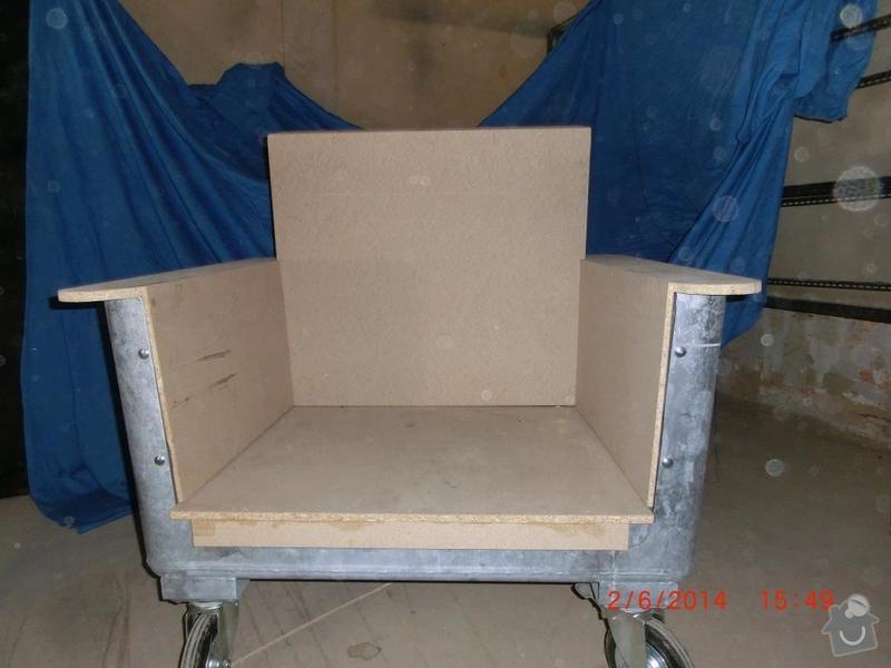 Čalounické práce - očalounení atypické sedačky z kontejnéru: CIMG3683