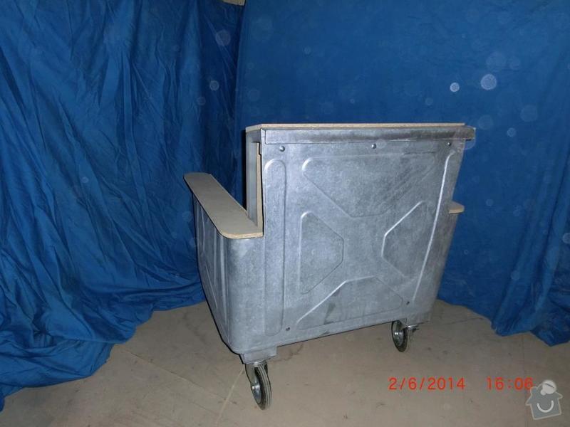 Čalounické práce - očalounení atypické sedačky z kontejnéru: CIMG3689