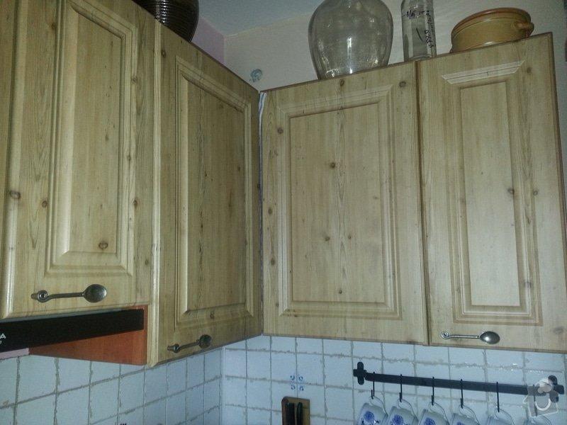 Dřevěné schodiště se zábradlím, kuchyňská linka: 20140914_101411