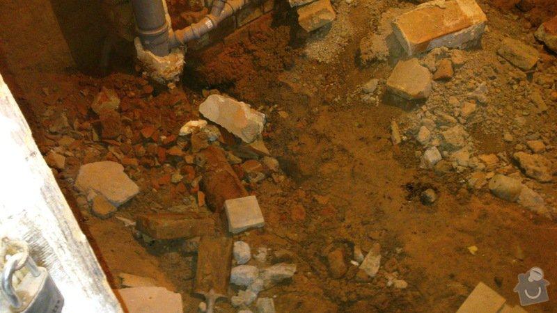 Vodaři - kanalizační trubka: DSC_0010