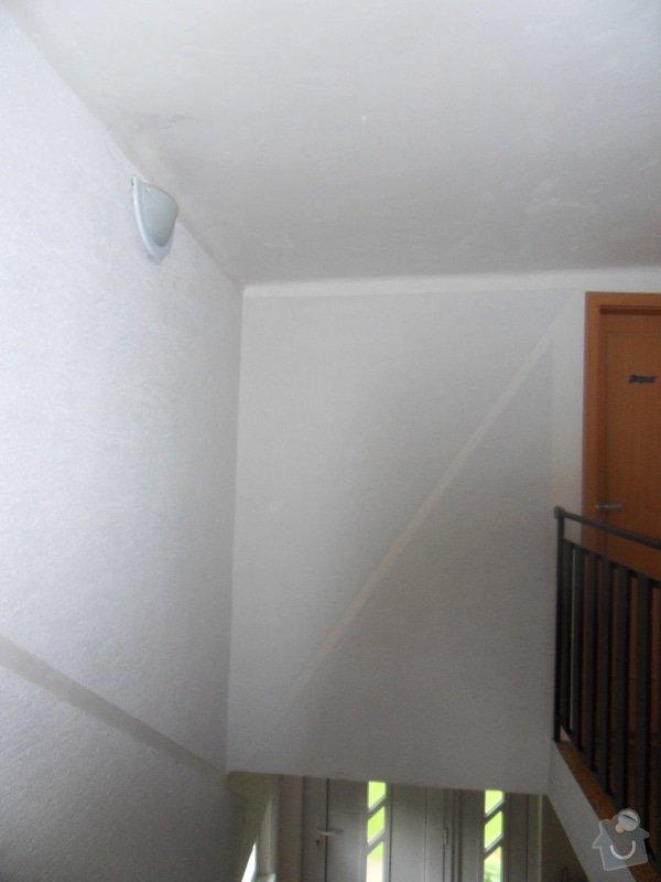 Malířské práce, zednické opravy, alespoň hrubý úklid (chodbička přízemí, chodba schody - 2. patrová, záchod, koupelna, stěna v obývacím pokoji): chodba_schody
