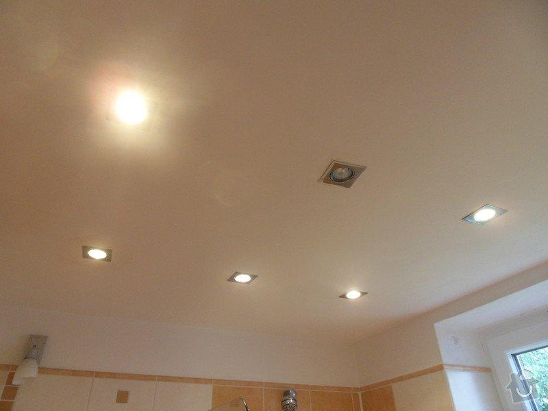 Malířské práce, zednické opravy, alespoň hrubý úklid (chodbička přízemí, chodba schody - 2. patrová, záchod, koupelna, stěna v obývacím pokoji): koupelna