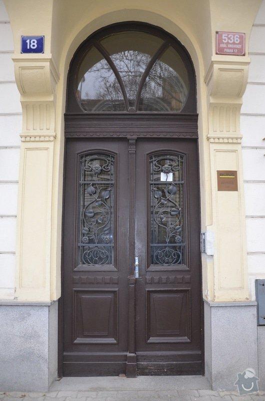 Řemeslnické práce - rekonstrukce vstupních dveří: dvere