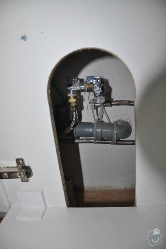Instalatérské práce - připojení myčky k odpadu: DSC_0670
