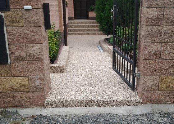 Zednické práce -úprava chodníku včetně pokládky top Stone