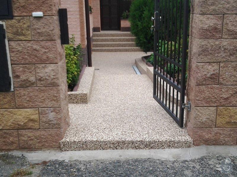 Zednické práce -úprava chodníku včetně pokládky top Stone: 2014-08-29_14.08.31