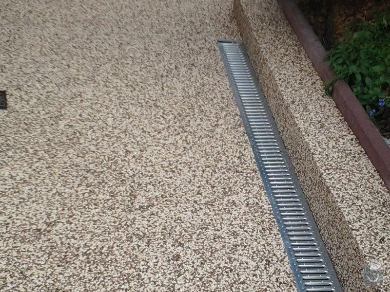 Zednické práce -úprava chodníku včetně pokládky top Stone: 2014-08-29_14.07.53