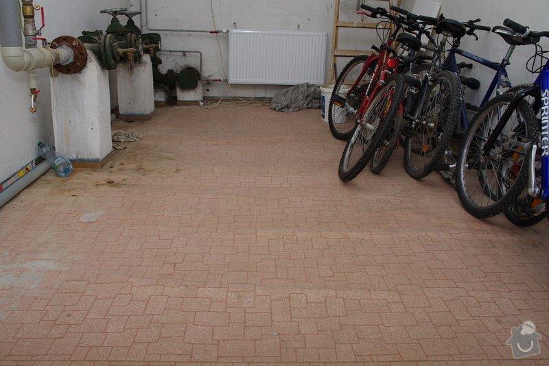 Pokládka dlažby v technické místnosti: IMGP9081