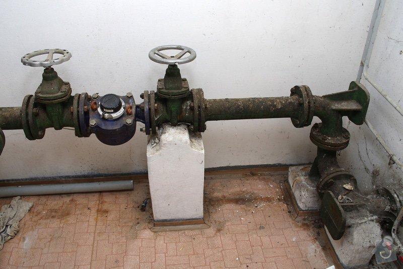 Oprava uzávěrů vodovodu: B