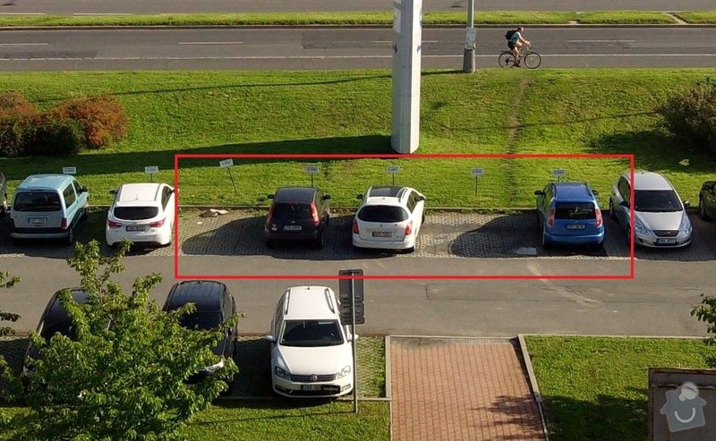 Oprava parkoviště - položení zámkové dlažby: 01