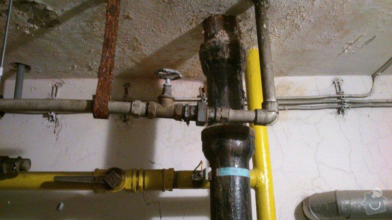 Rekonstrukce vodovodu v suterénu: DSC_0151