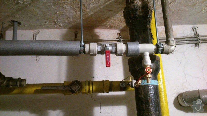 Rekonstrukce vodovodu v suterénu: DSC_0162