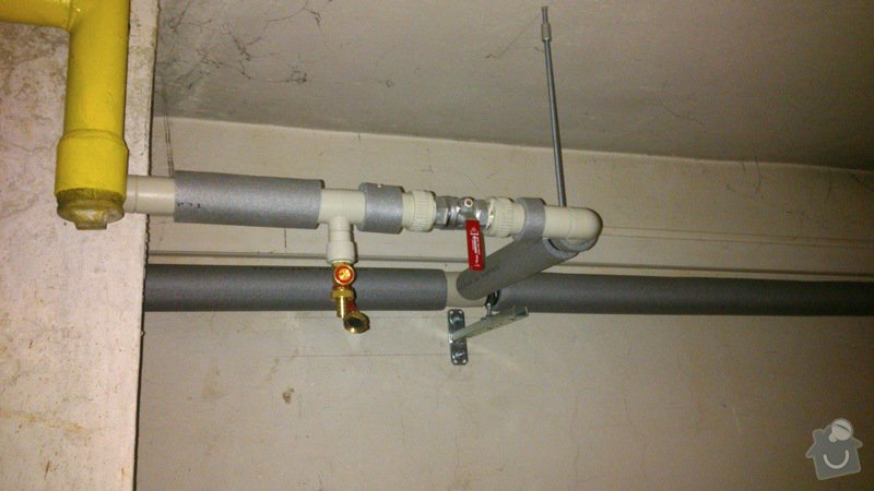 Rekonstrukce vodovodu v suterénu: DSC_0165