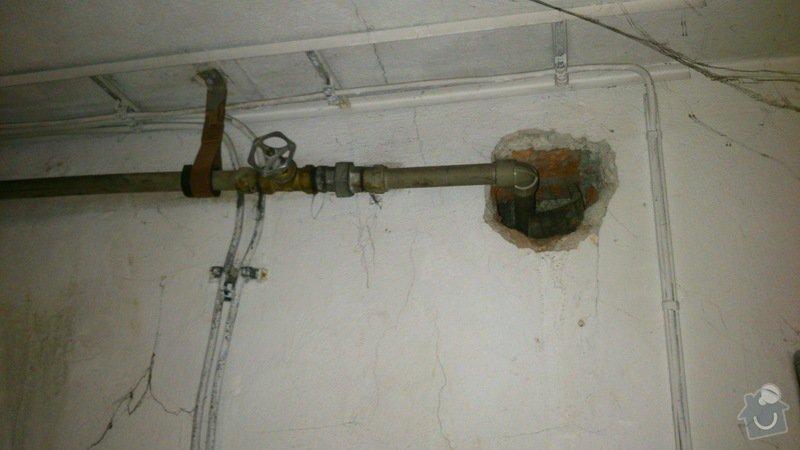 Rekonstrukce vodovodu v suterénu: DSC_0155