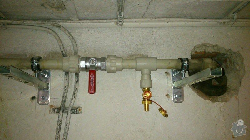 Rekonstrukce vodovodu v suterénu: DSC_0158
