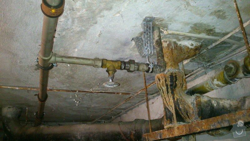 Rekonstrukce vodovodu v suterénu: DSC_0156