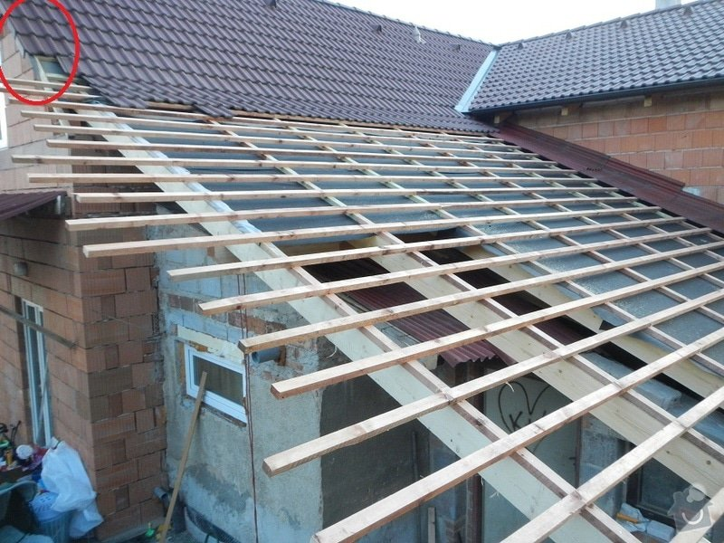 URGENTNI - tento tyden - Prodlouzeni strechy ve stitu: DSCN7819